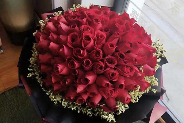 情人节让花店又爱又恨,这个情人节让很多花店过得不平凡