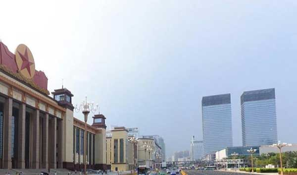 """大年初三,南昌市红谷滩新区世纪中央城送花不""""顺"""""""