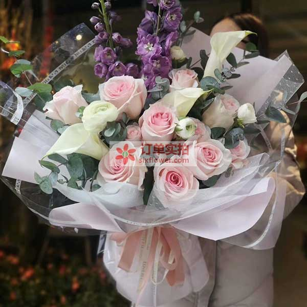 致:情人节里收到鲜花的各位小姐姐们!