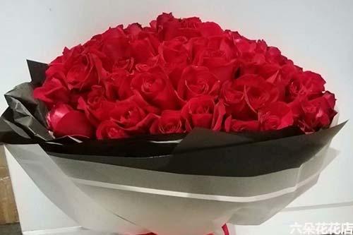 99朵红玫瑰多少钱