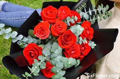 送玫瑰花之红色玫瑰花推荐,让你火热的爱包围她!