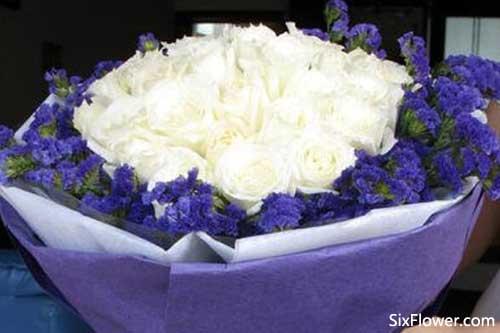 22朵白玫瑰的花语是什么?22朵白玫瑰的花语代表什么意思?