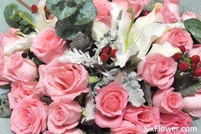 喜欢女同事,如何给对方送花表白?