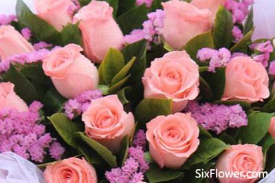 给大龄女朋友送什么颜色的玫瑰花好?给大龄恋人的花怎么搭配?