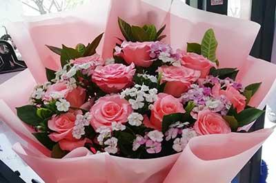 老婆过生日送什么花