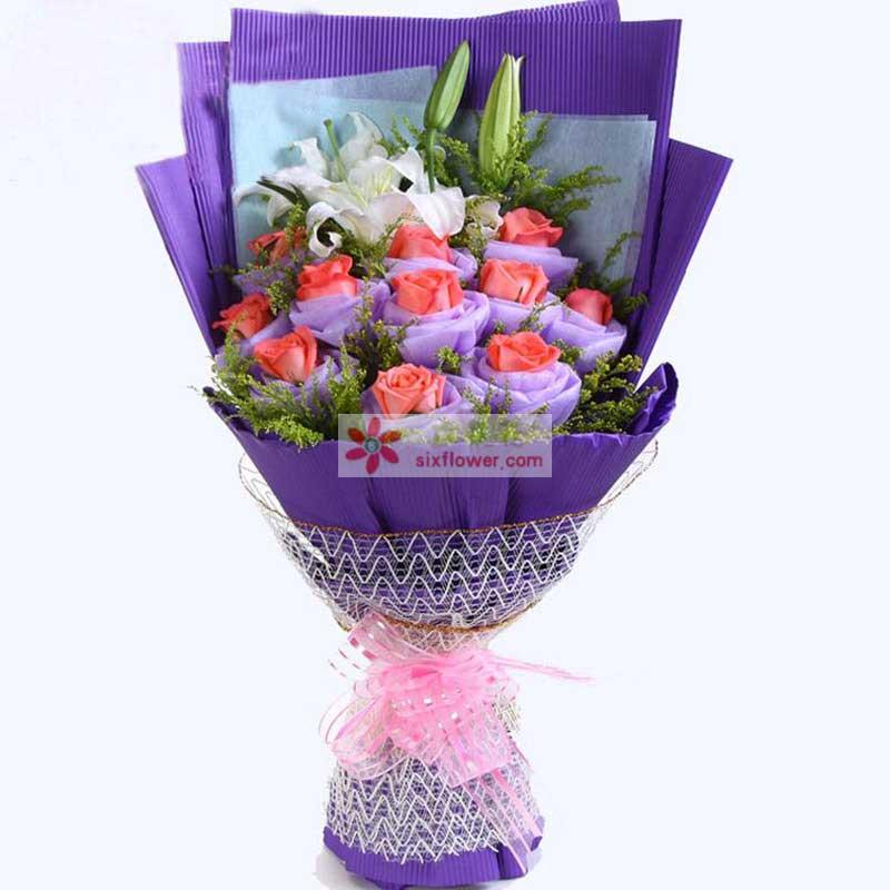 白色多头香水百合2支,粉玫瑰11枝,粉玫瑰单朵包装,黄莺丰满;