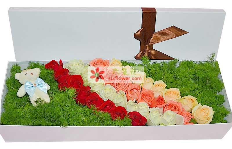 25枝玫瑰花(红色、粉色、白色,香槟色)绿叶打底,随机赠送1只公仔;