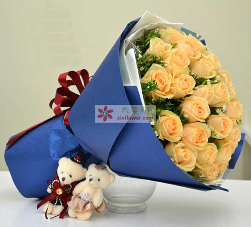 香槟玫瑰33枝,白色相思梅、或满天星黄莺适量