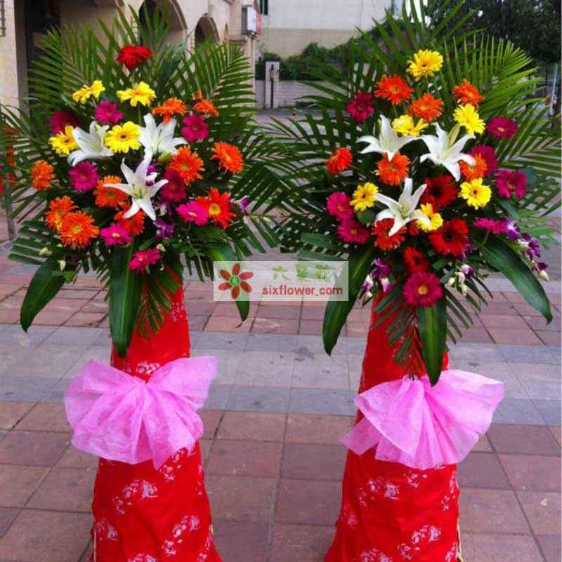 百合、各色扶郎、洋兰(或相似鲜花),散尾叶巴西叶搭配