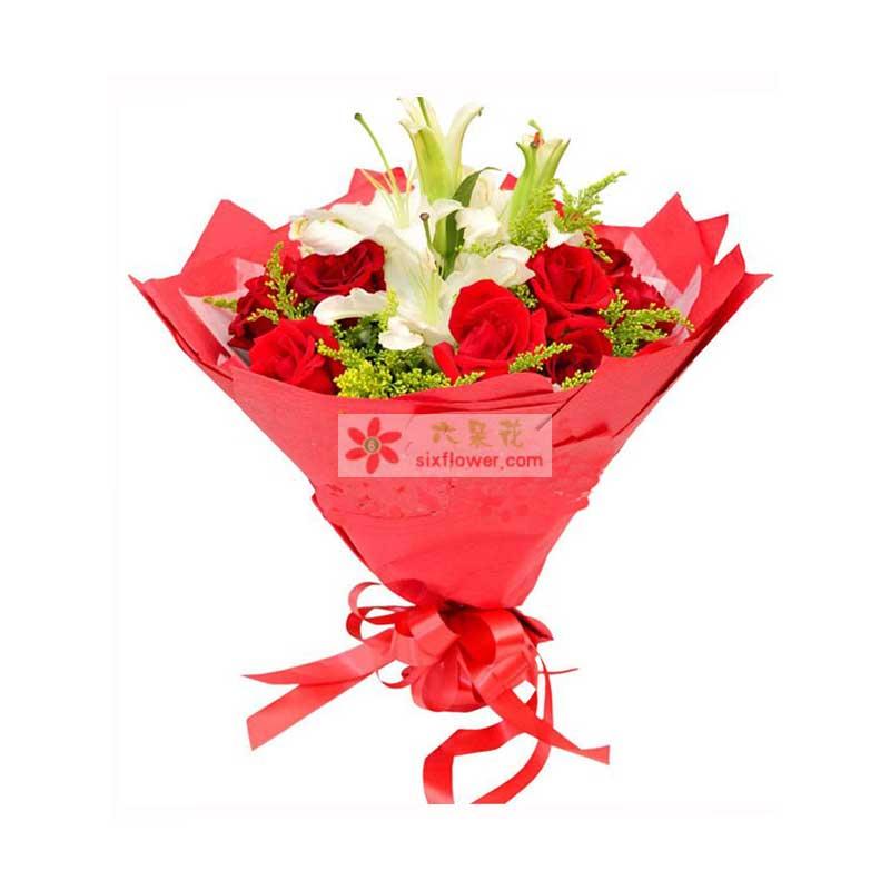 11枝顶级红玫瑰,2枝香水百合,搭配黄莺点缀