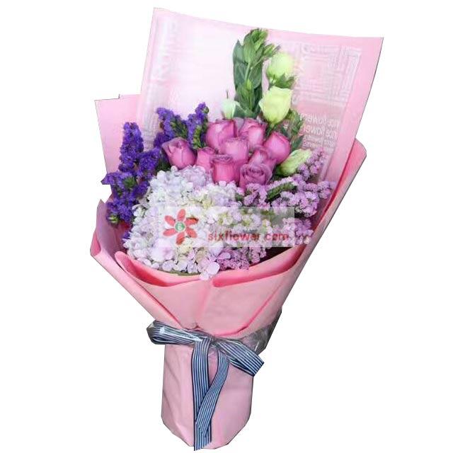 9枝粉色玫瑰,1个绣球花,白色桔梗,粉色勿忘我,紫色勿忘我;