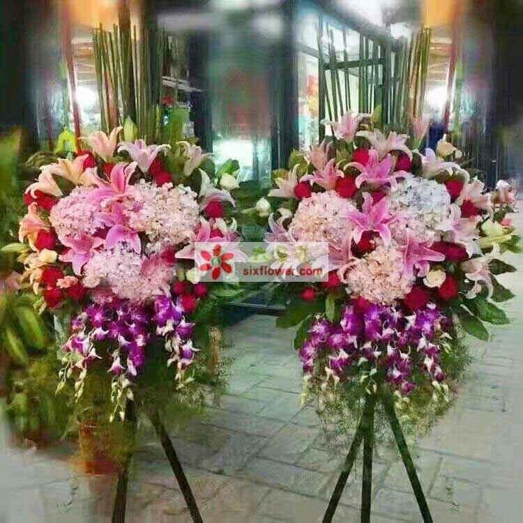 粉色绣球,红色玫瑰,粉色百合,洋兰,配叶尤加利,巴西叶,剑兰