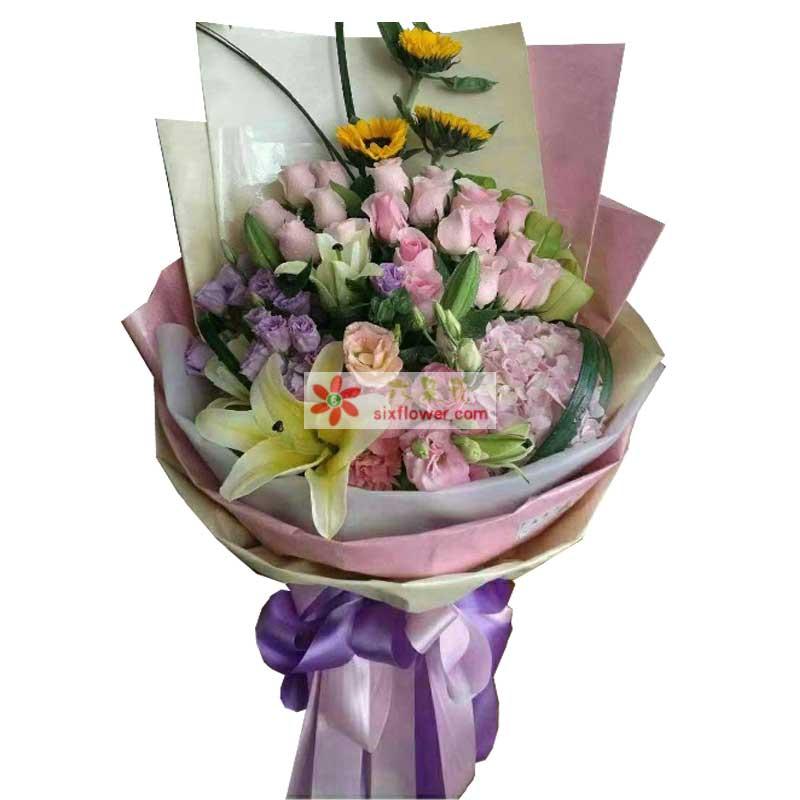19枝粉色玫瑰,3枝向日葵,11枝紫色桔梗,1只粉色绣球花,6枝康乃馨,2枝多头黄百合(或白色)