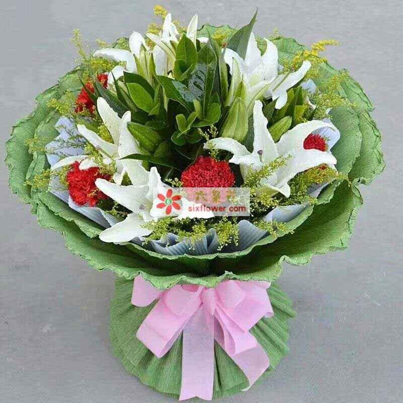5枝多头香水白百合,6只红色康乃馨,黄英、橛子叶丰满