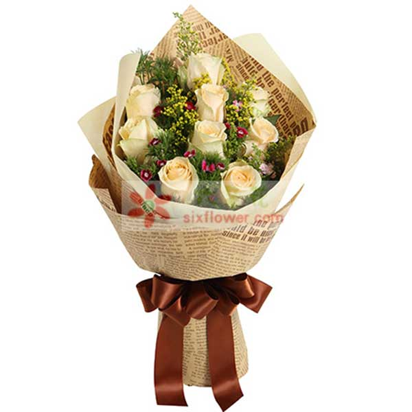 9枝香槟玫瑰,填充适量石竹梅(或相思梅等)、黄莺