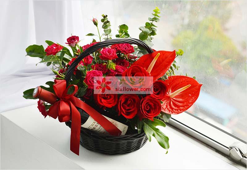 11枝红玫瑰、1扎多头红玫瑰、红掌2枝,配叶、尤加利叶搭配,1支长城解百纳红酒