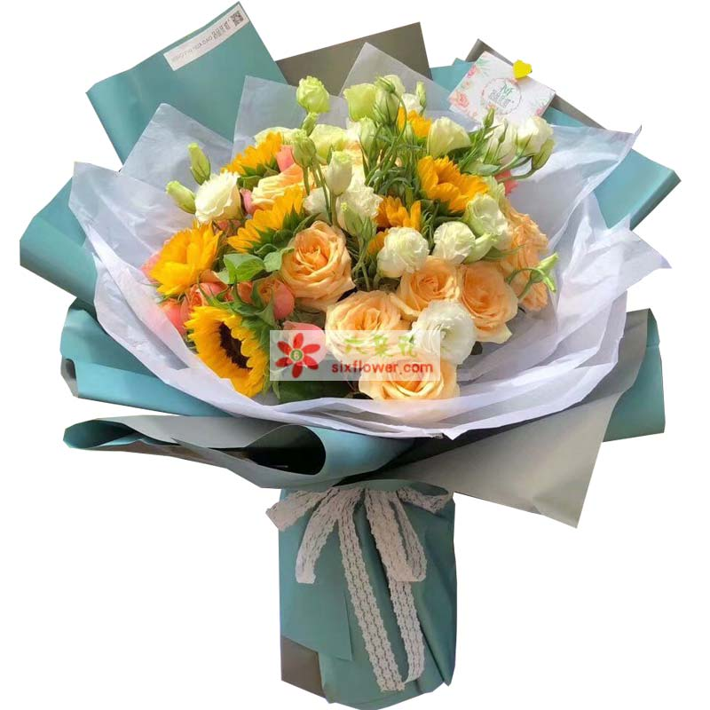 9枝向日葵,9枝香槟玫瑰,11枝绿色桔梗、9枝粉色桔梗,配叶搭配