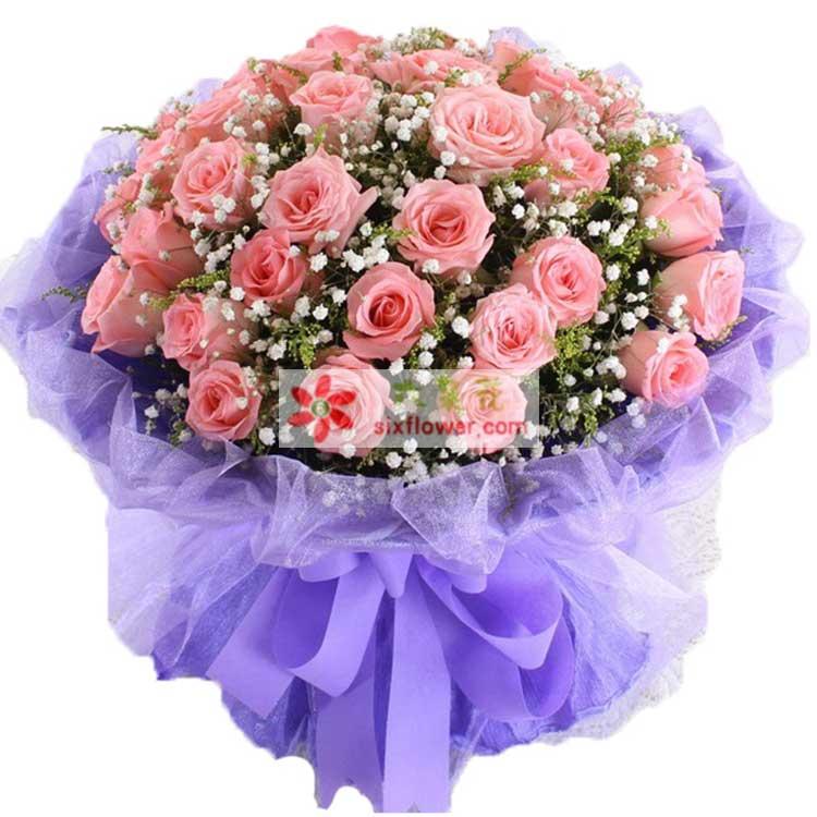 33枝戴安娜粉玫瑰,满天星、黄莺丰满