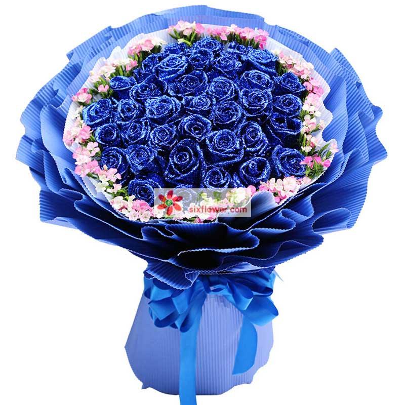 33枝蓝色玫瑰,外围搭配石竹梅丰满