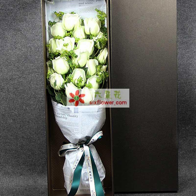 19枝白玫瑰,黄英等配草搭配