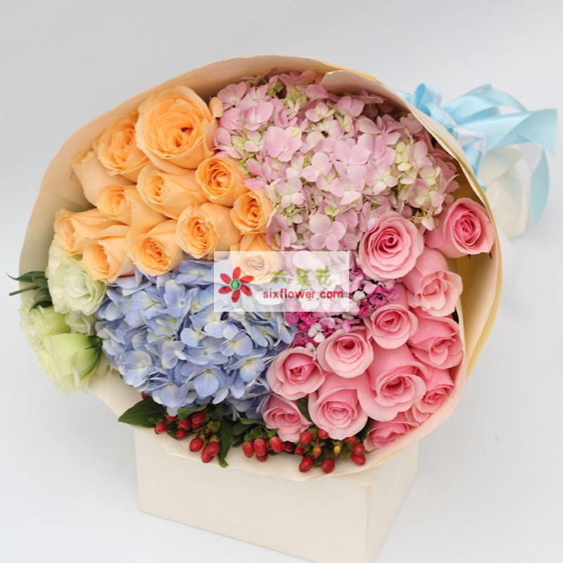 12枝香槟玫瑰,12朵粉玫瑰,1只蓝色绣球花,2只粉色绣球花,红豆、相思梅、洋桔梗搭配