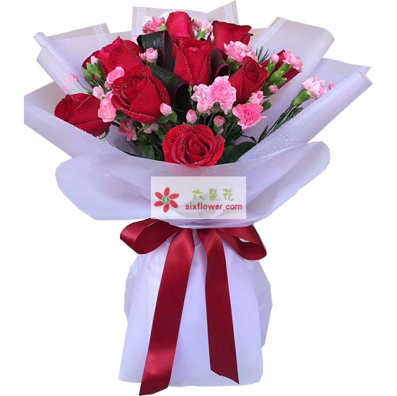 11枝红色玫瑰,粉色桔梗丰满(或其他粉色小花)