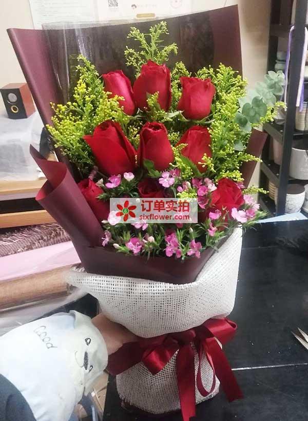 重庆巴南区渝南大道万达华城送花