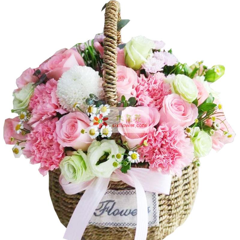 11枝粉色康乃馨,情人草丰满;