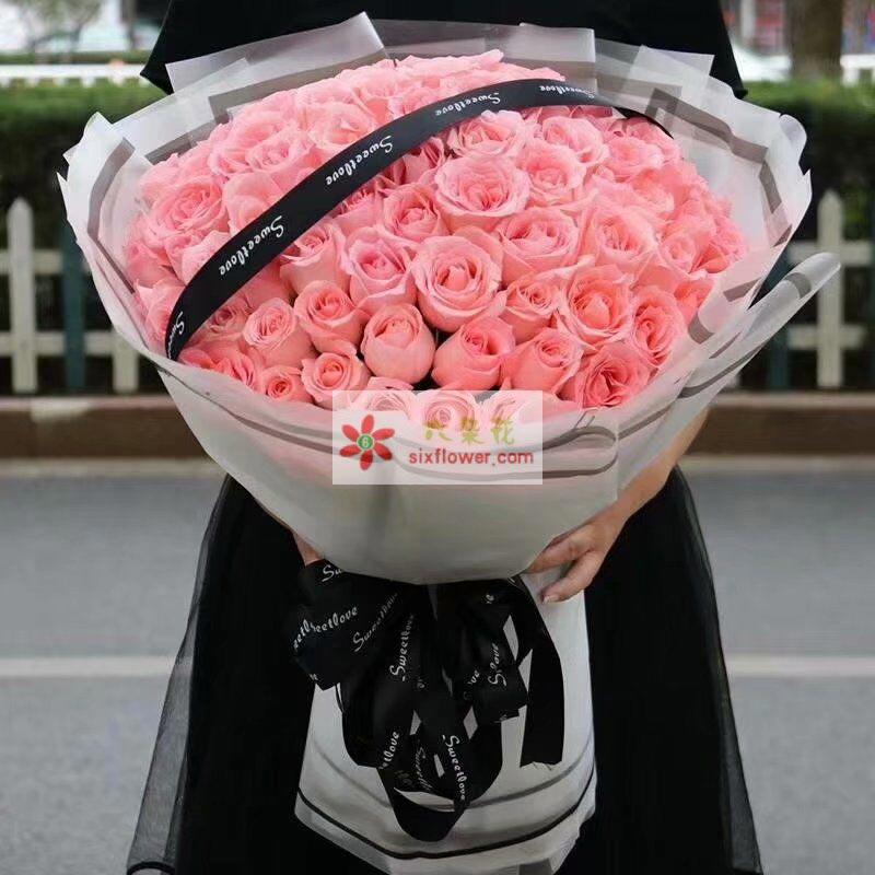 99枝戴安娜玫瑰,黑色丝带点缀