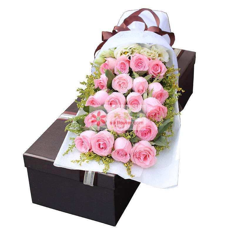 20枝戴安娜玫瑰,5枝桔梗,黄英丰满
