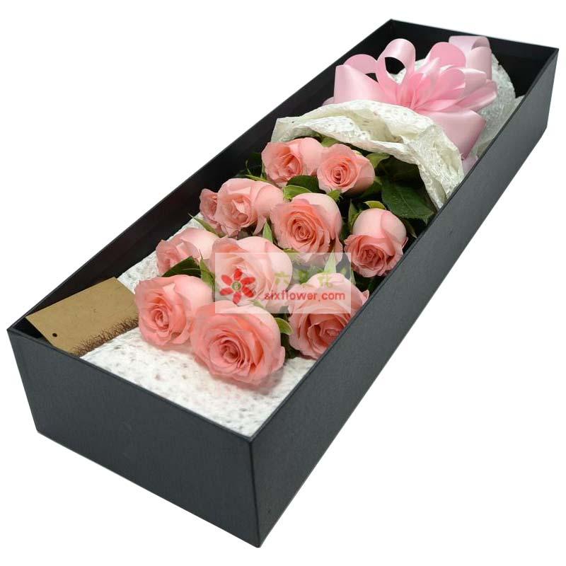 11枝戴安娜玫瑰,栀子叶点缀