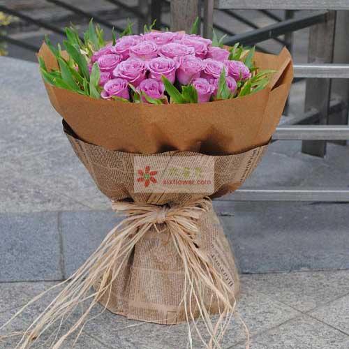 25朵紫玫瑰,周围配叶丰满
