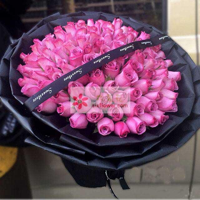 99朵紫玫瑰,黑色丝带拉花