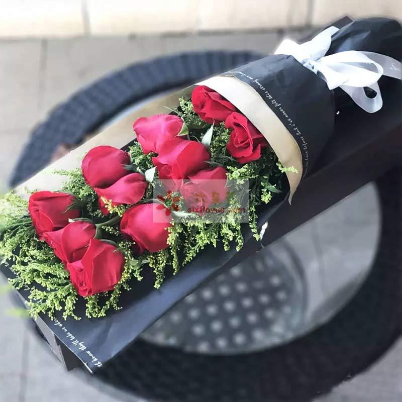 11朵红玫瑰,黄英丰满