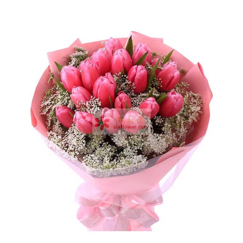 18朵红色郁金香,配草丰满,配叶点缀