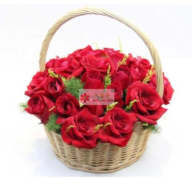 29朵红玫瑰,配草点缀