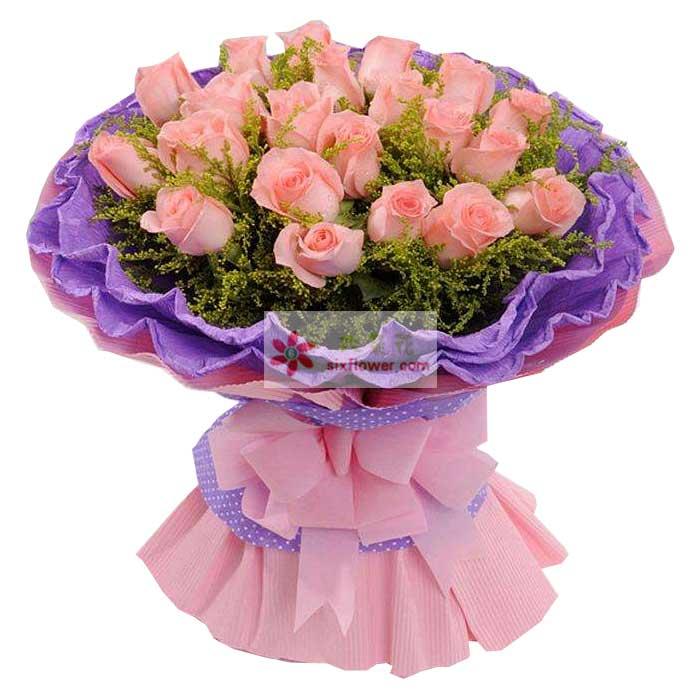18朵戴安娜粉玫瑰,黄英丰满