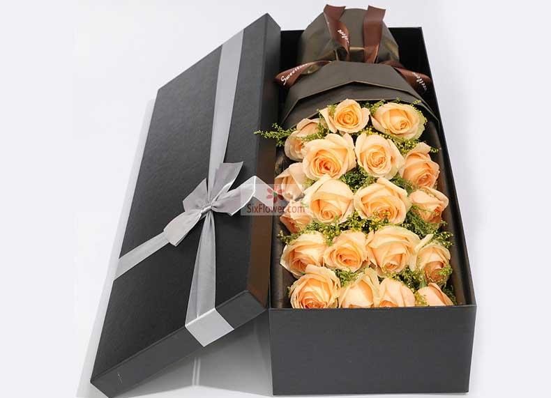 19朵香槟玫瑰,黄英丰满