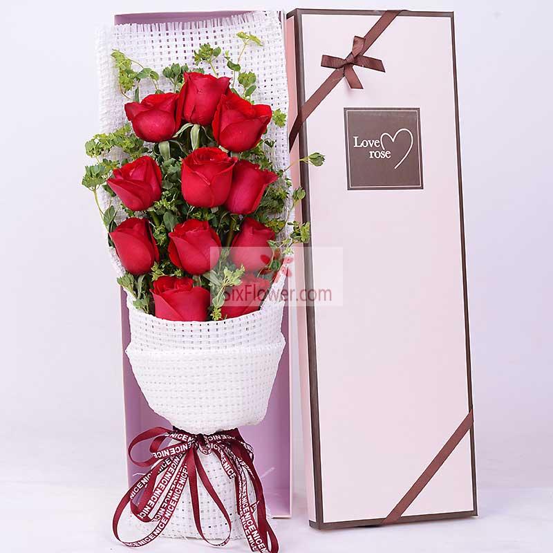 11朵红玫瑰,配草搭配