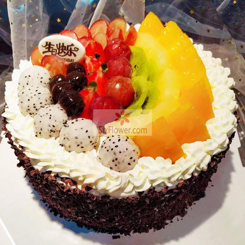8寸水果圆形蛋糕,周围巧克力颗粒