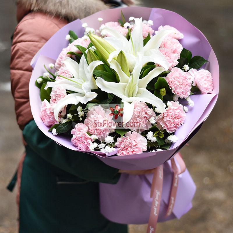 18朵粉色康乃馨,2支白色多头百合,祝你更美丽