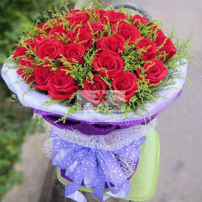 33朵红玫瑰,牵着你的手浪漫走