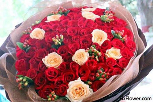 35朵红玫瑰的花语是什么?35朵红玫瑰代表什么意思?