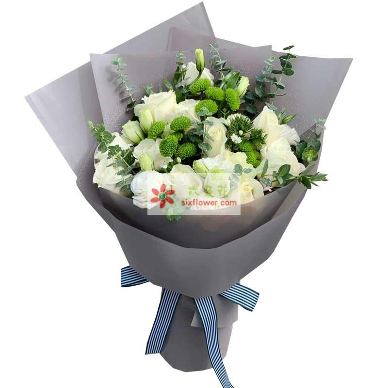 19朵白玫瑰,与你携手相伴