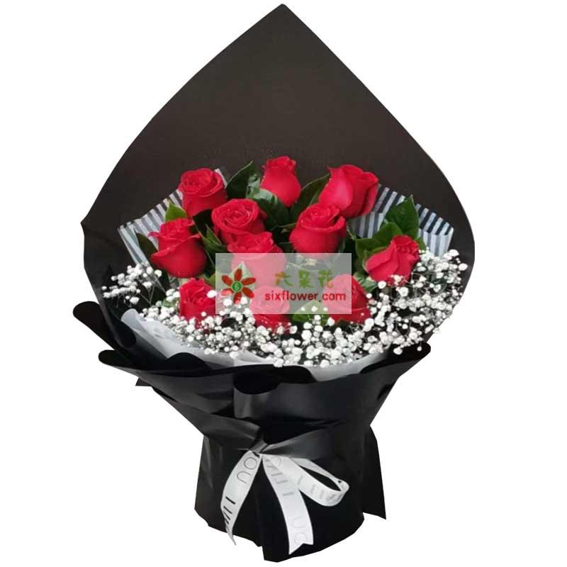 11朵红玫瑰,花前月下影相随