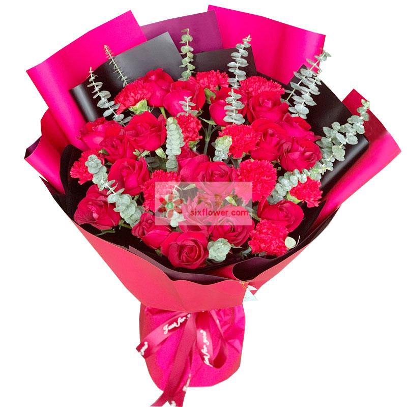 18朵红玫瑰,11朵红色康乃馨,节节欢喜