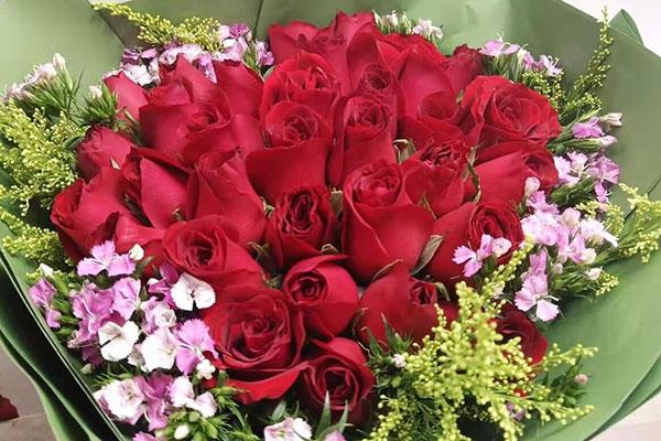 女友过生日有必要送鲜花吗?