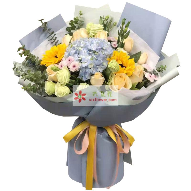 9朵香槟玫瑰,2朵向日葵,福星高照