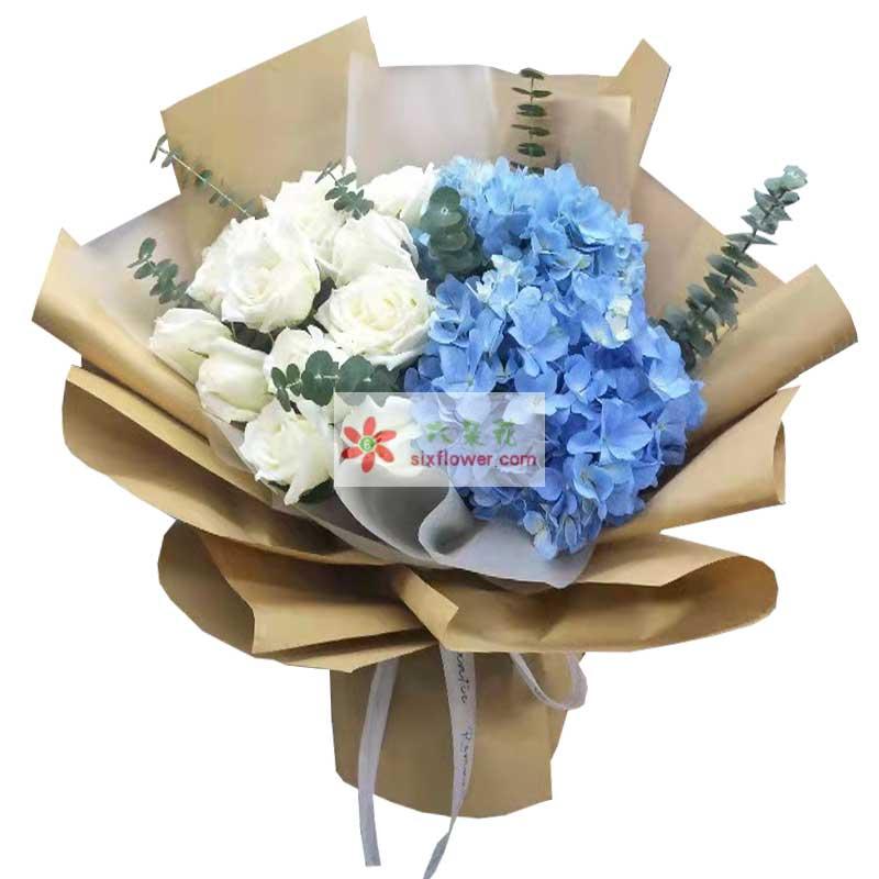 11朵白玫瑰,2只蓝色绣球花,与你共渡幸福时光