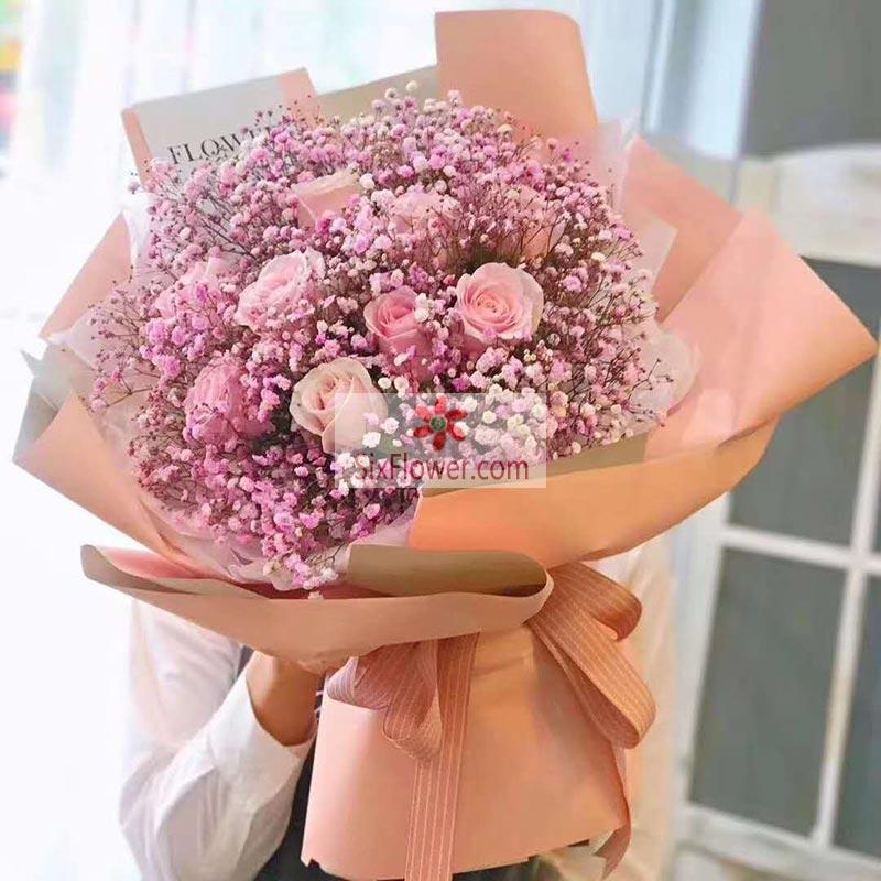 9朵戴安娜粉玫瑰,满天星丰满,无时无刻感动